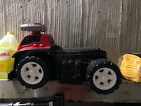 black and red ride on toy car 多伦多, M1W 3K8