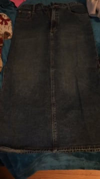 Denim skirt size 32 534 km