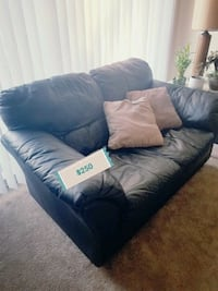 Leather Love seat  Worth, 60482