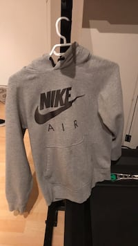 gray Nike pullover hoodie jacket small 3736 km