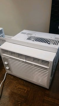 white window type air conditioner Toronto, M6C 2L4
