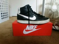 black-and-white Nike basketball shoes with box Charlotte, 28269