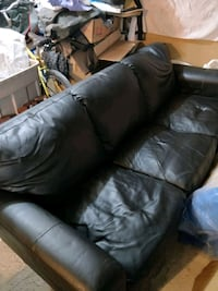 Black faux leather 3 seats couch Toronto, M5V 1P2