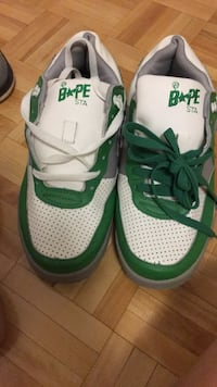pair of green-and-white Nike sneakers Toronto, M1J 2L2