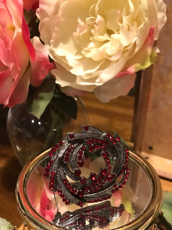 Pretty! Silver Red Ruby Stone Pin/Brooch 00b37637-7503-4d1d-ac73-f009e660a396
