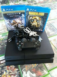 Sony PS4 console with controller and game cases Houston, 77037
