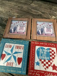 two blue and red wooden photo frames Rushville, 46173