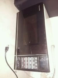 black and gray microwave oven Lethbridge, T1H 2X7
