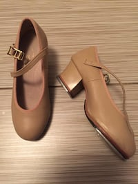 Capezio tap shoes with taps. Size 13 1/2. Worn for only 2 months. Saskatoon, S7V 0B7
