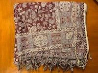 Patterned maroon scarf