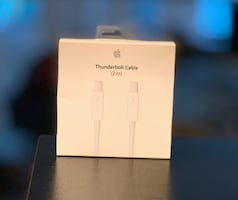 New Apple 2 Meter Thunderbolt Cable