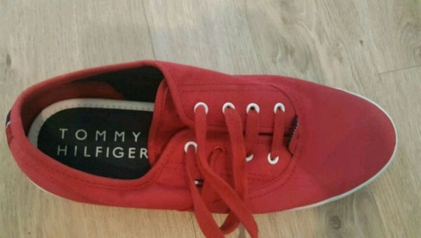 Tommy Hilfiger snickers 40storlek
