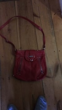 women's red leather sling bag Dieppe, E1A 2J5