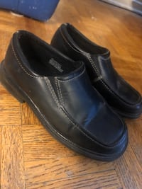 Boys dress shoes size 1 $10 Toronto, M9C 5J1