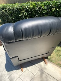 Large lazyboy recliner with massage