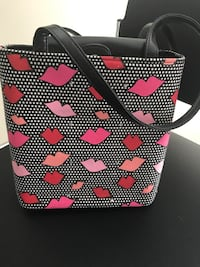 Women's black, white, red and pink lips purse Suwanee, 30024