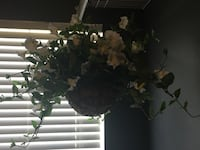 Black and white floral wreath Stafford, 22556