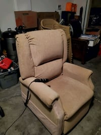 Reclining  Lift  Chair Las Vegas, 89122