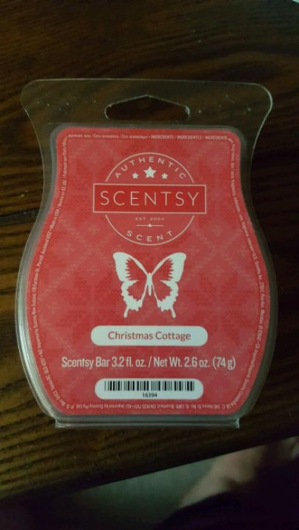 Scentsy wall plug-in. New in box  0edecab2-f513-4a7c-a283-c213e6ebb6c1