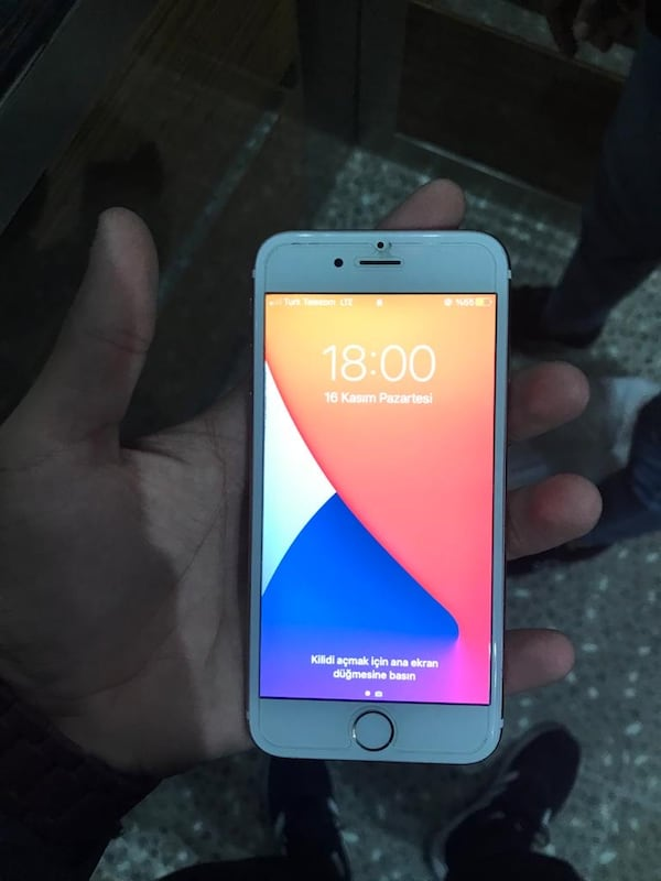 İphone 6s 2670f5a0-eaa1-4cbc-997d-831347a66a3a