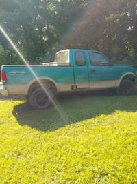 Ford f150 parts clear title needs transmissio  Cleveland, 37323