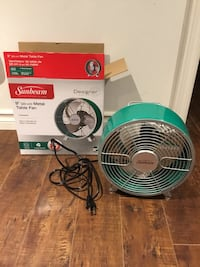BNIB green fan Hamilton, L8L 8H8