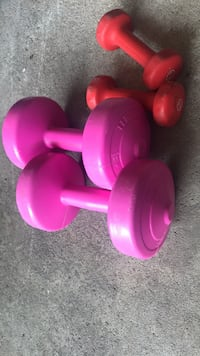 5 pounds and 2 pound weight sets lightly used $15 Whitby, L1N 8C2