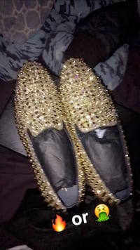 gold loafers Cuyahoga Falls, 44223
