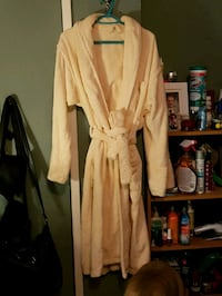 100% cotton Terry cloth robe Pitt Meadows, V3Y 2E9