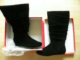Brand new in box black suede boots size 8.5m