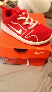 red and white Nike running shoe on box Arlington, 76013