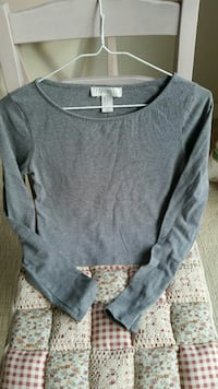 Women sweaters all for $5 xs sm