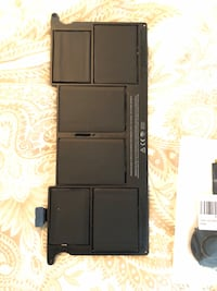 2011 MacBook Air 11inch (For Parts Only) Alexandria, 22312