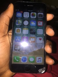 space gray iPhone 5s with case New York, 10037