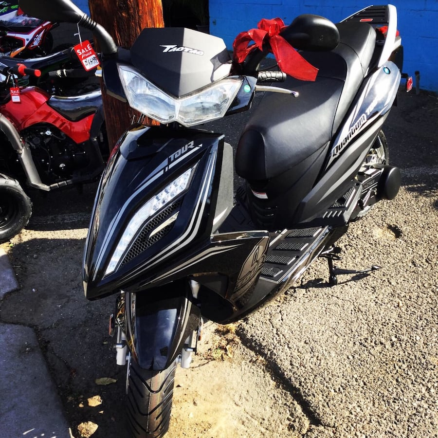 150cc Scooters ( Moped )