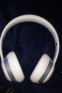 Make offer - Beats Solo 1 (1 broken speaker, can be fixed)