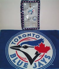 Toronto Blue Jays Golf Accessories Gift Set and Towel
