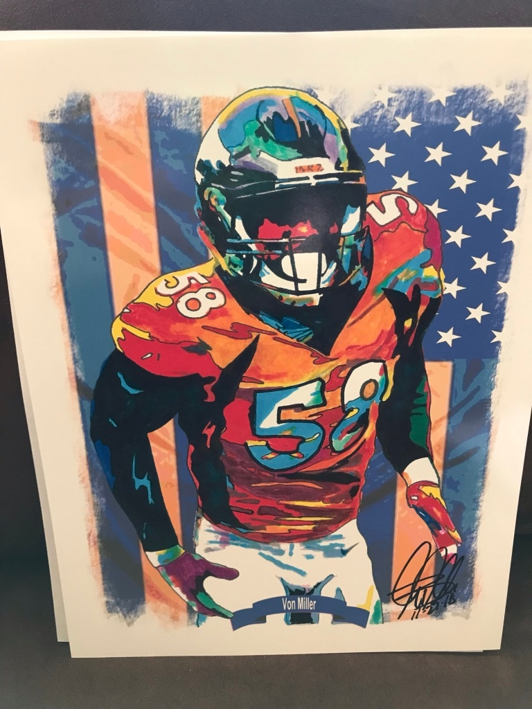 Photo Denver BRONCOS Von Miller original authentic sighed 8/10 photo COA