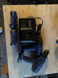 Combo drill and impact with 2 batteries and charger Toronto, M8Z 4Z4