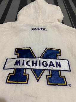 Starter Michigan Wolverines Retro NCAA Collage Hoodie / Mont 36a68cd2-ac8a-432d-891a-c7dc60393309