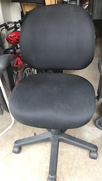 black office rolling armchair Burnaby, V3N 1L6