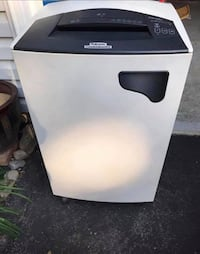 Fellowes Cross Cut Paper Shredder Model 3200CC. Great For Office Or Home Use Derwood, 20855