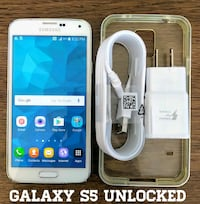 Galaxy S5 GSM-UNLOCKED + Accessories  Arlington
