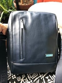 New leather tablet bag/purse Toronto, M6H 1W8