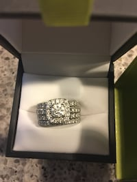 Stunning vv2 engagement ring from Spence  3155 km