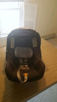 Infant Car Seat - Chicco Manchester, 03104