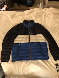 Brand new (Large) Tommy Hilfiger Men's Down Quilted Packable Logo Jacket. Mill Valley, 94941