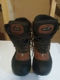 Baffling winter boots size 1o like brand new only  Conception Bay South, A1X 2J3
