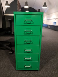 Rarely used office pedestals / storage units null