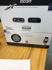 Almost brand new radar detector laser shifters from escort  with built in GPS functionality Cleveland, 44109